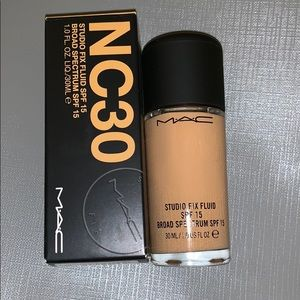 NC30 Studio Fix fluid foundation
